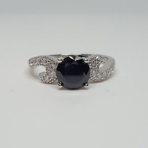 Jewelry - Sterling Silver Round Elegant Ring